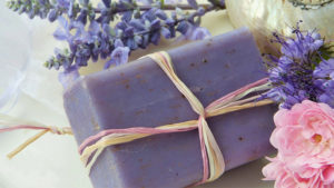 How to make homemade soap - regina paper for people
